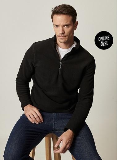 AC&Co / Altınyıldız Classics Standart Fit Günlük Rahat Fermuarlı Bato Yaka Spor Polar Sweatshirt 4A5221100016 Siyah